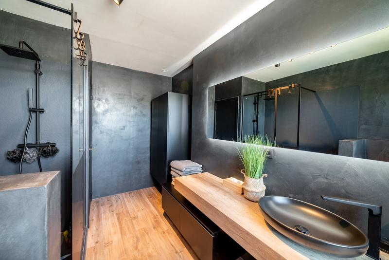 Réalisation d'une salle de bain à la pointe de la modernité et de l'élégance